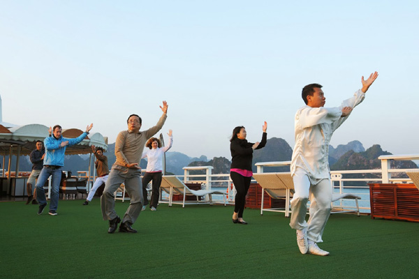 Halong Bay Tour Starlight Cruise