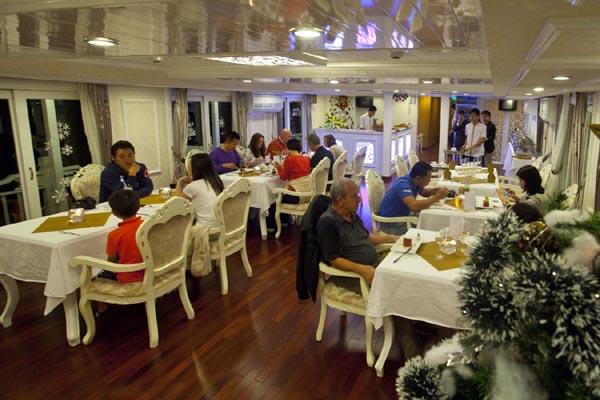 Halong Bay Tours Signature Cruise