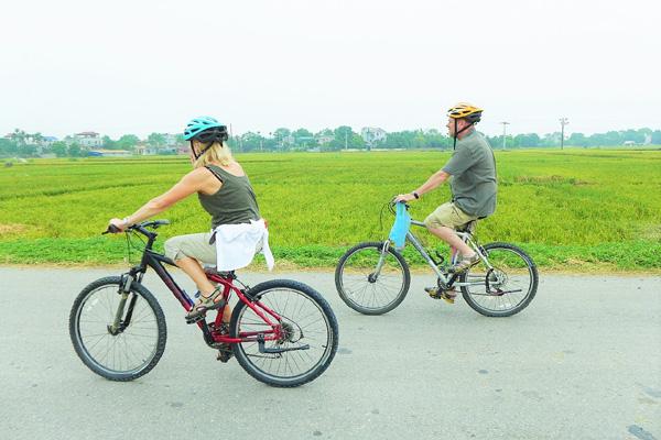 Hanoi Bike Tour One Day Trip