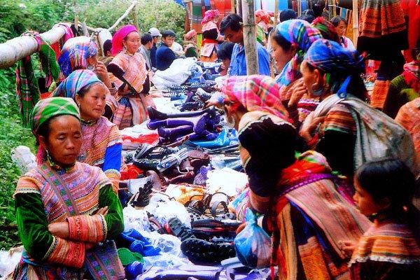 Sapa Bac Ha Market Tour
