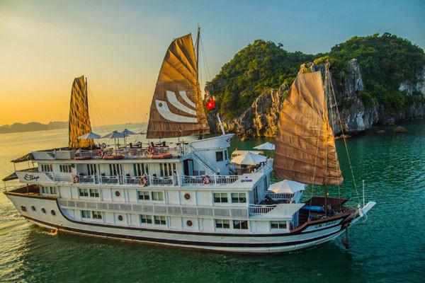 Tour Halong Bay Bhaya Classic Cruise