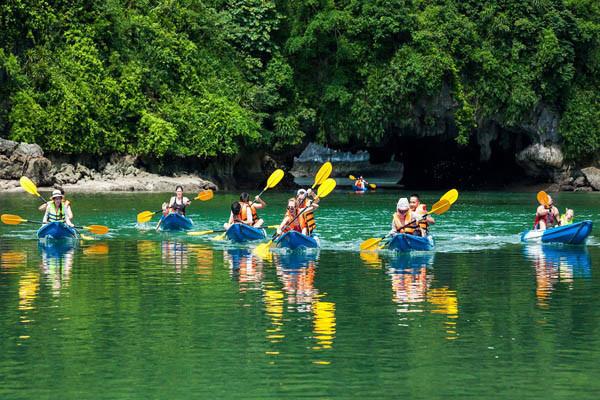 Halong Bay Boat Tour Mon Cheri Cruise (7)